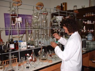 Daniel Siebert in seinem Labor